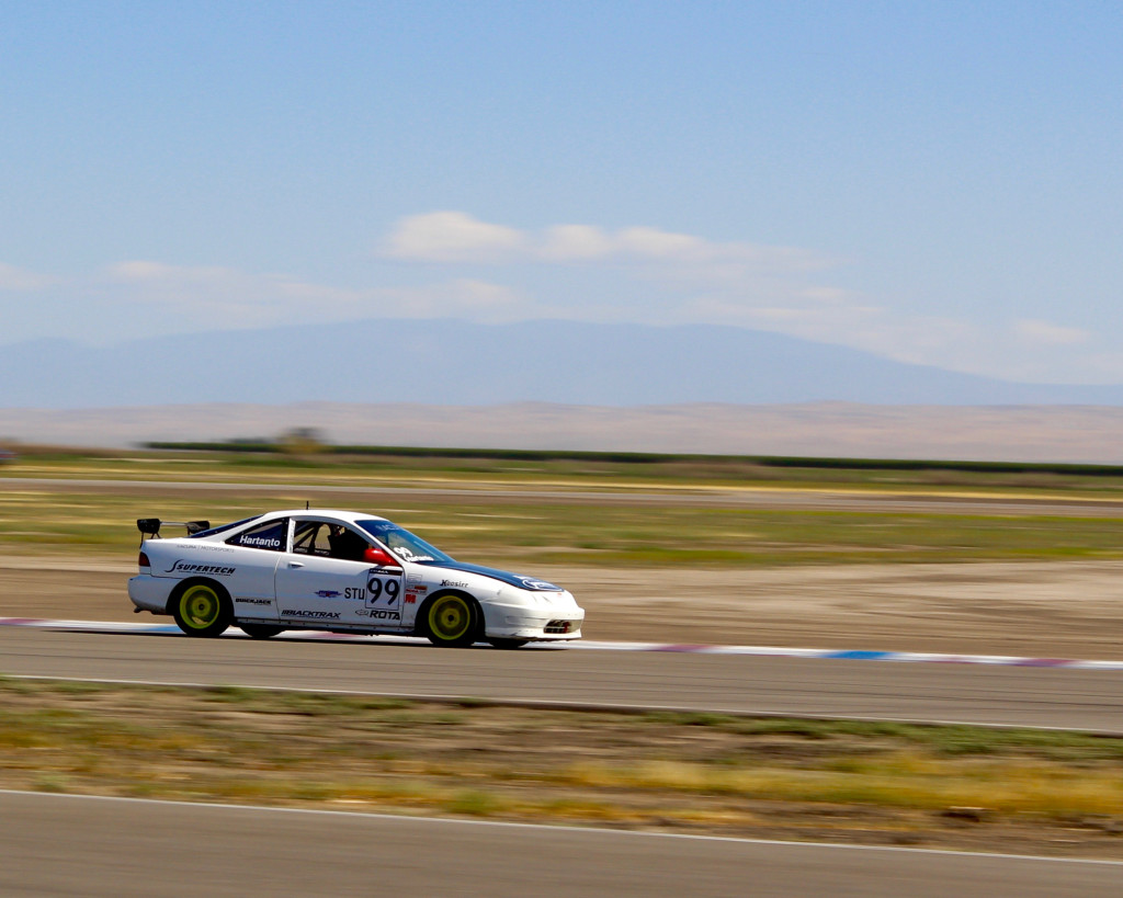 Hartanto heading into Buttonwillow's Sunset corner