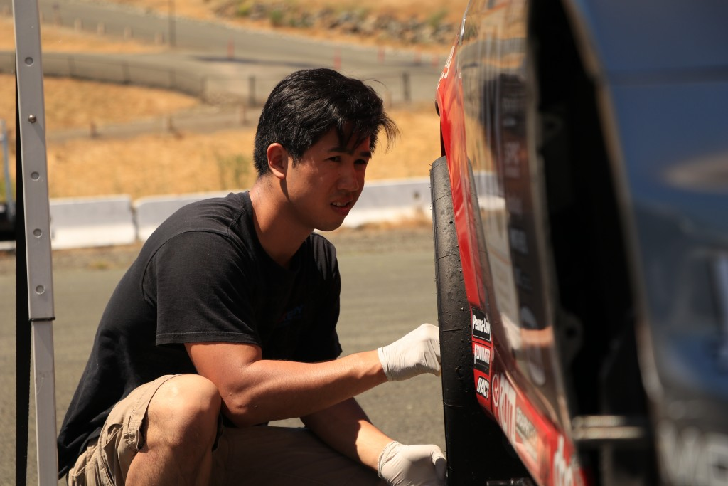 James Tam prepares the S2000 to head out for Sunday's qualifying session