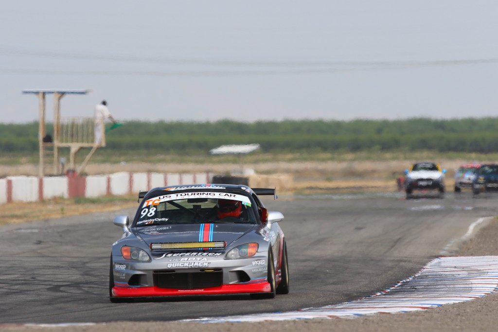 The green flag drops and Ostby gets to work on familiarizing himself with Buttonwillow's CCW1 layout